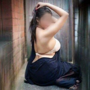 housewife in delhi